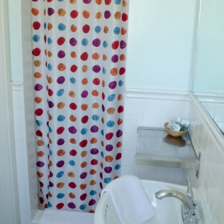 BananaBungalows_Bathroom_003_Hollywood_KAB