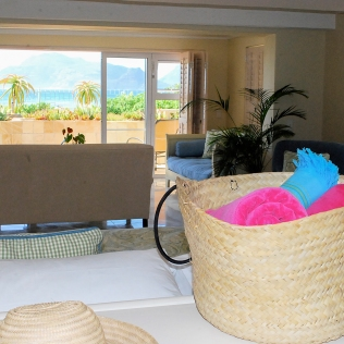 Beach_Compliments_Detail_View_ElegantSuite_TLW_LB