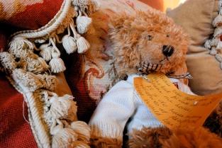 Bear_OnBed_Details_Room_Draycott