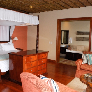Bedroom_Lounge_RoomNyala_Rooms_Oceana