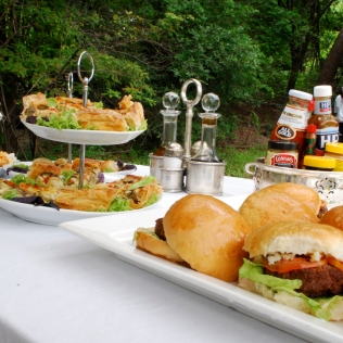 Buffet_2_RiverbankLunch_Food_CanoeTrip_Activities_RoyalChundu