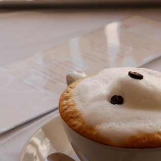 Cappucino_Detail_Food_TLW_LB
