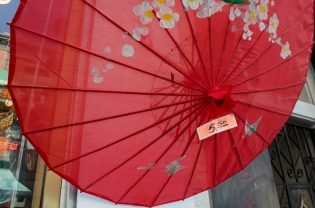 Chinatown_RedUmbrella_10_SanFrancisco_KAB