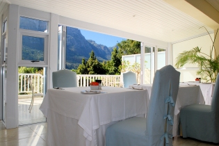 DiningTable_WithView_Property.TLW_BC