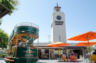 FarmersMarket_Trolley_Clocktower_Best_09_Hollywood_KAB
