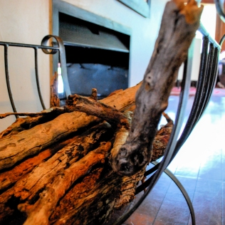 Fireplace_Lounge2_Island_Detail_royalChundu
