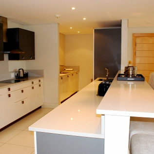 Kitchen_ThreeBedroom_Lawhill