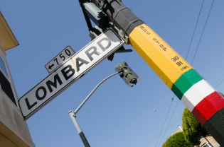 LombardStreet_Sign_LittleItalyPost_01_SanFrancisco_KAB-2