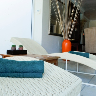 LoungeChair_Towel_Spa_Pool_Property_LPL
