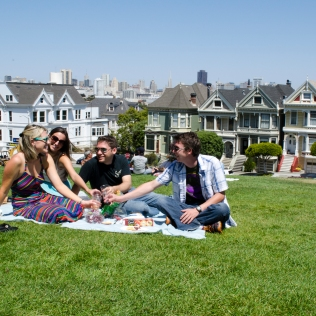 PaintedLadies_PeoplePicnic_Wide_Cheers_09_SanFrancisco_KAB