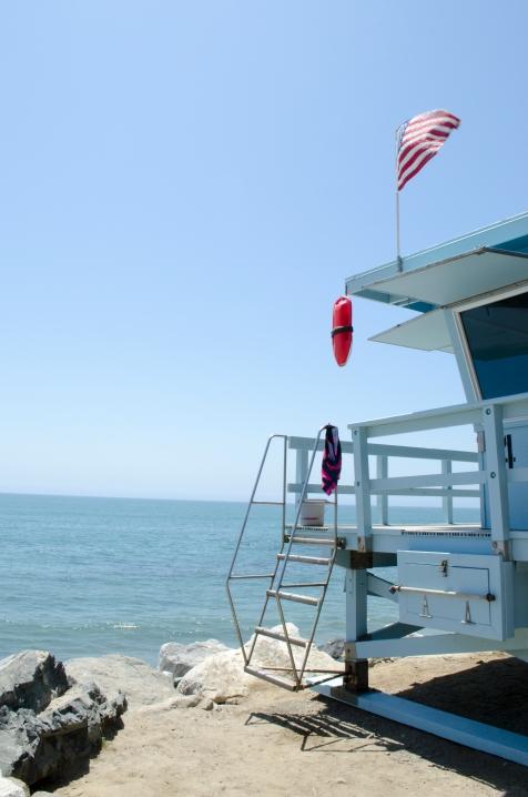 PCH_LifeguardTower_Close_AmericanFlag_23_Malibu_KAB