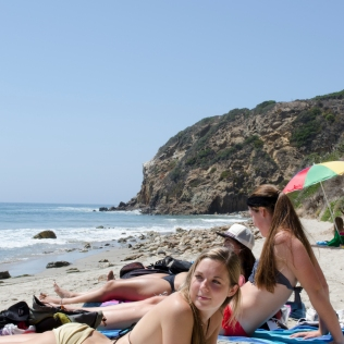 PointDume_GirlsOnBeach_07_Malibu_KAB