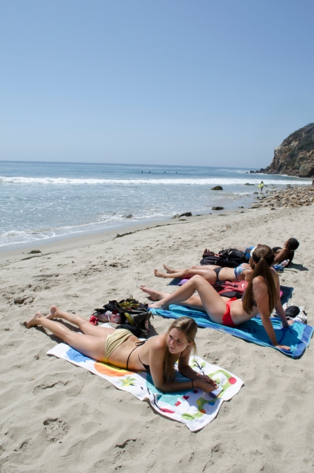 PointDume_GirlsOnBeach_Wide_09_Malibu_KAB