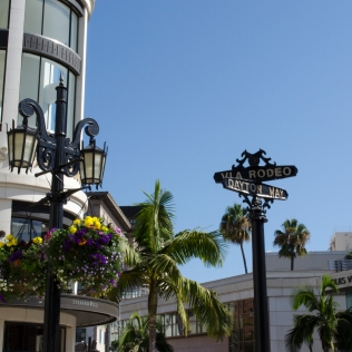RodeoDrive_StreetSigns_Fancy_Wide_14_BeverlyHills_KAB