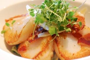 Scallops_Pancetta_Pesto_Brasserie_Food_EP