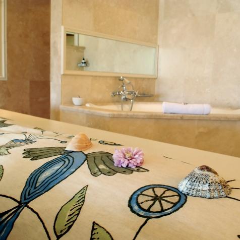 Seashells_Flower_Bed_Detail_ElegantSuite2_TLW_LB