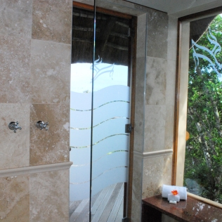 Shower_View_RoomKudu_Rooms_Oceana