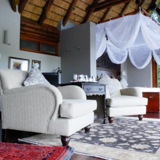 SittingArea_Bedroom_IslandRoom_RoyalChundu