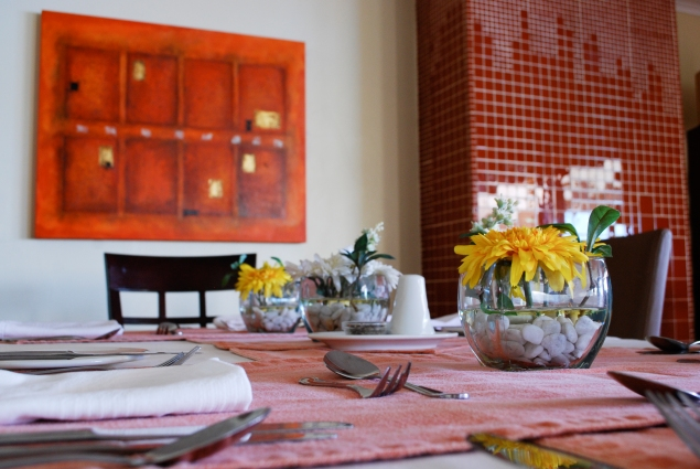 Table_Setting_Yellow_2_Detail_LPL