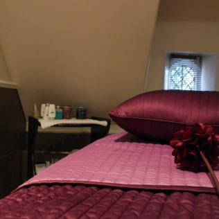 TreatmentRoom2_Bed_Spa_Property_EP
