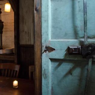 Unique Restaurants_Thumbnails_KatherineAlex-2739