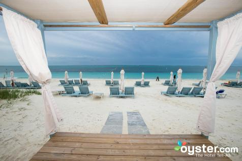 beach-dining-and-massage-area--v3558697-2000