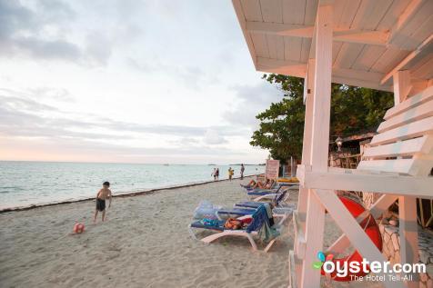 beach--v4645557-2000