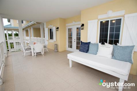 one-bedroom-oceanview-suite--v3558392-2000