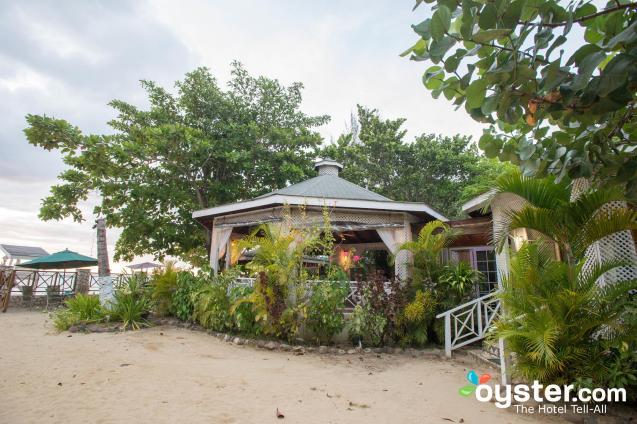 rondel-restaurant--v4645242-2000