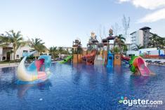 waterpark--v4645785-2000